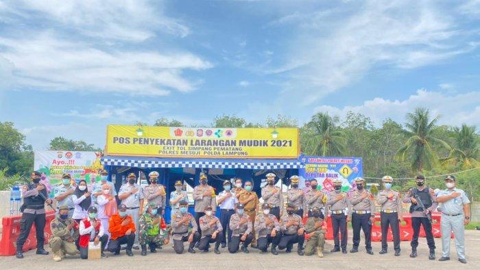 Pantau Arus Mudik, PT Jasa Raharja Lampung Sambangi Pos Penyekatan Simpang Pematang Mesuji