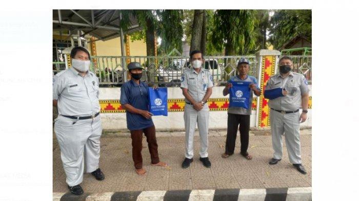 Jelang Berbuka Puasa, Jasa Raharja Lampung BerbagiTakjil