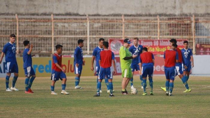 Jelang Jadwal Liga 1 2021 Persita Vs Persib, Pangeran Biru Rombak Jajaran Pelatih