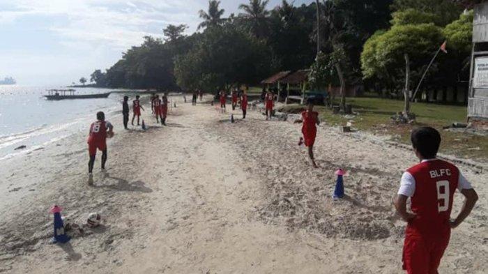 Pelatih Badak Lampung Pilih Pantai untuk Latih Fisik Skuad Laskar Saburai