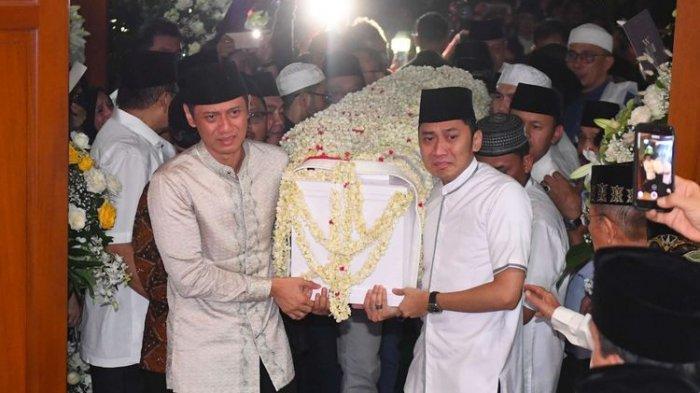 Tanah Makam Ani Yudhoyono Empuk, Tepat Satu Meter di Depan Makam Ainun Habibie