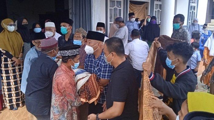 Jenazah Mantan Bupati Lampung Timur Satono Tiba di Rumah Duka