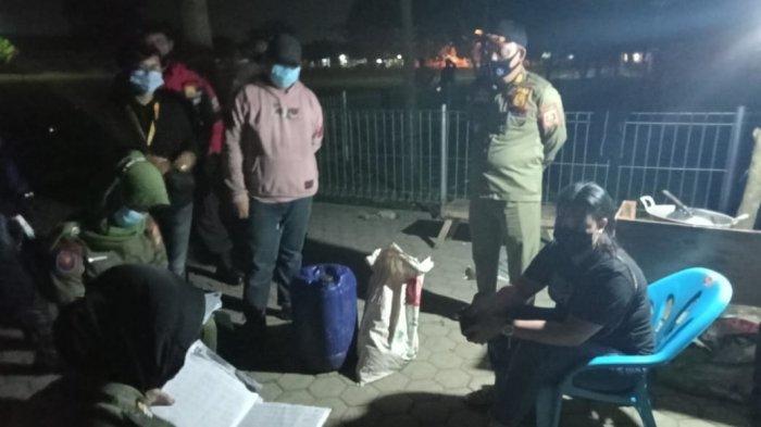 Jual Tuak, Izin Angkringan di Lapangan Mulyojati Metro Lampung Dicabut