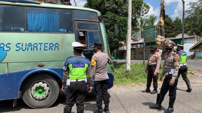 Kabagops Polres Way Kanan Lakukan Operasi Yustisi di Jalinsum Way Tuba