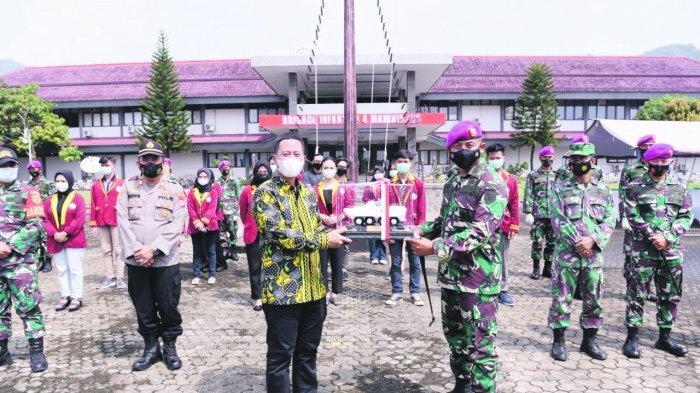 Universitas Teknokrat Indonesia bersama Brigade Infanteri 4 Marinir / BS Lampung menggelar bakti sosial peduli covid 19, Kamis (6/5/2021).