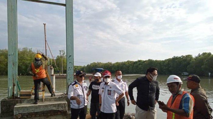Pemkab Tulangbawang Lampung Perbaiki Jembatan Gantung di Sungai Burung Kecamatan Dente Teladas