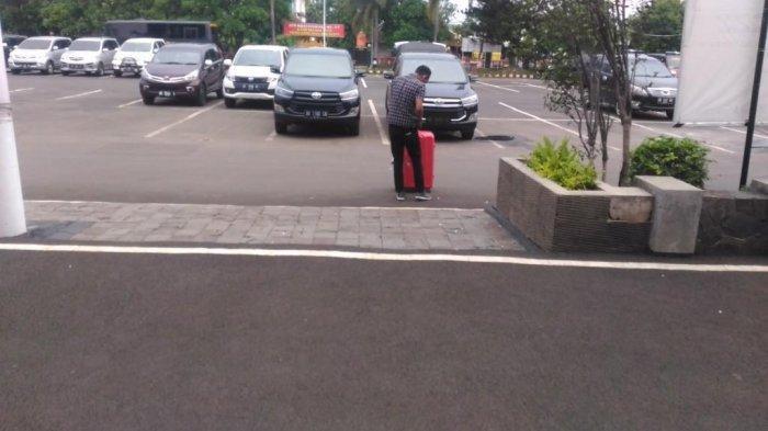 Kadis PUPR Mesuji Najmul Fikri Tiba-tiba Lari Seusai Diperiksa KPK: Ada apa ya?
