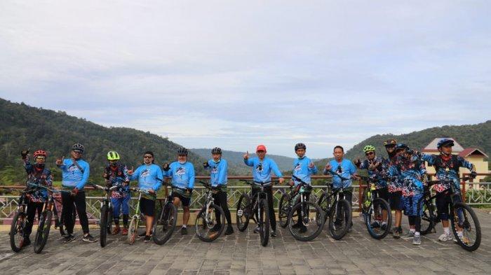 Bersepeda Jelajahi Wisata, Kajati Lampung Kunjungi Lampung Barat