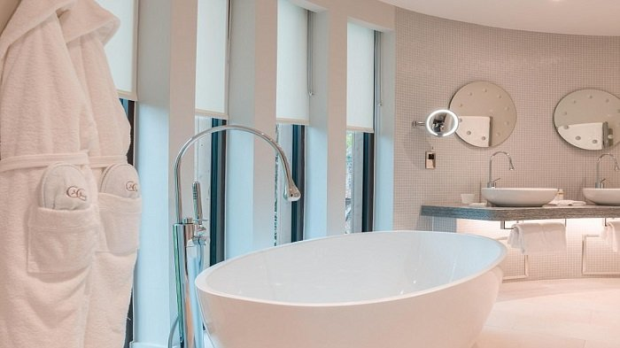 Info Rumah Terbaru, Tips Atasi Kamar Mandi Lembab