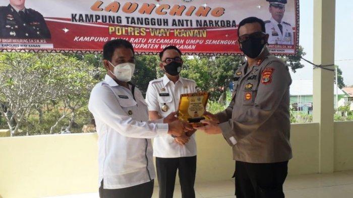Kapolres Way Kanan Lampung AKBP Binsar Manurung Resmikan Kampung Tangguh Anti Narkoba