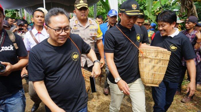 Ada Kampung Kopi, Pekon Rigis Jaya Dapat Bantuan Mikrobus