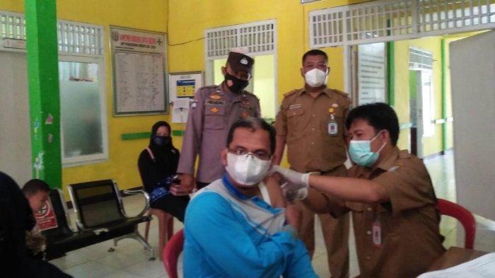 Kanit Binmas Polsek Bahuga Polres Way Kanan Lampung Gelar Binluh Vaksinasi Massal