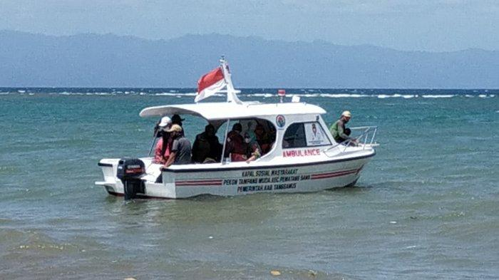 Bupati Dewi Resmikan Kapal Ambulans di Tanggamus Lampung