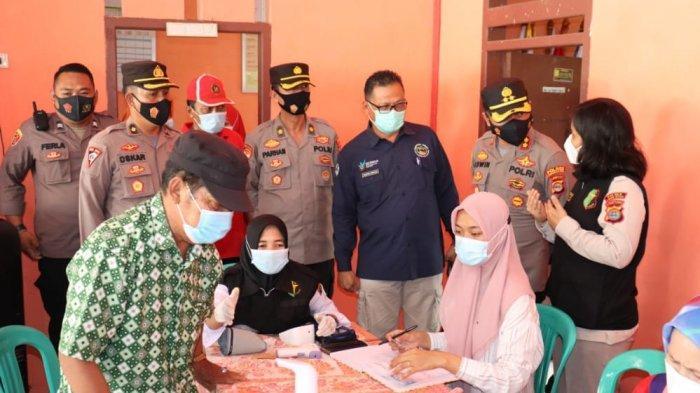 Seusai Sertijab, Kapolres Lampung Selatan AKBP Edwin Langsung Tinjau Vaksinasi