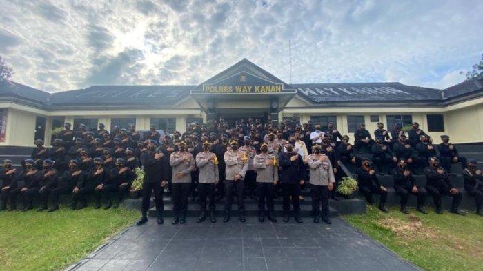 Kapolres Lepas BKO Brimob Polda Lampung Pam Pilkakam di Way Kanan