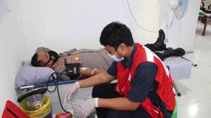 Polres Pringsewu Gelar Bakti Sosial Donor Darah Peringati HUT Bhayangkara ke-75