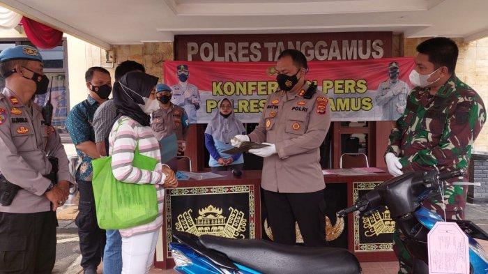 Kapolres Tanggamus Lampung Kembalikan Motor Hasil Curian, 'Ini Hak Korban'