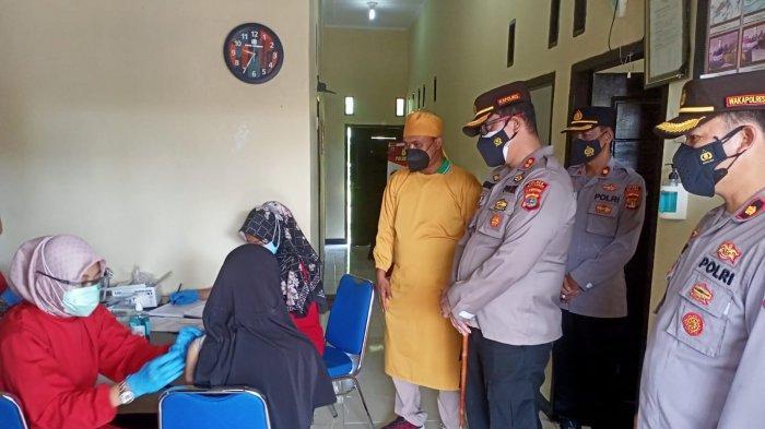 Kapolres Tinjau Vaksinasi di Rutan Polres Way Kanan Lampung