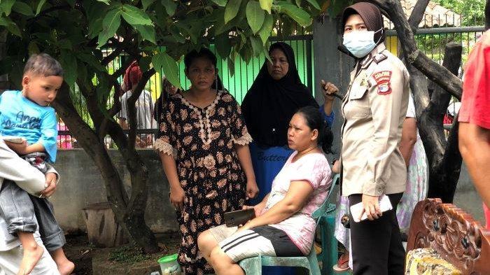 Nafrida Syok Lihat Kepulan Asap di Atas Rumahnya
