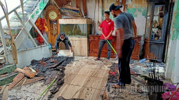 Korban Kebakaran di Pasar Cimeng Dapat Bantuan Rp 5 Juta dari Wali Kota Eva Dwiana