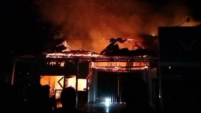 Kebakaran di Pesisir Barat Hanguskan Tiga Ruko, Diduga karena Ledakan Gas Elpiji