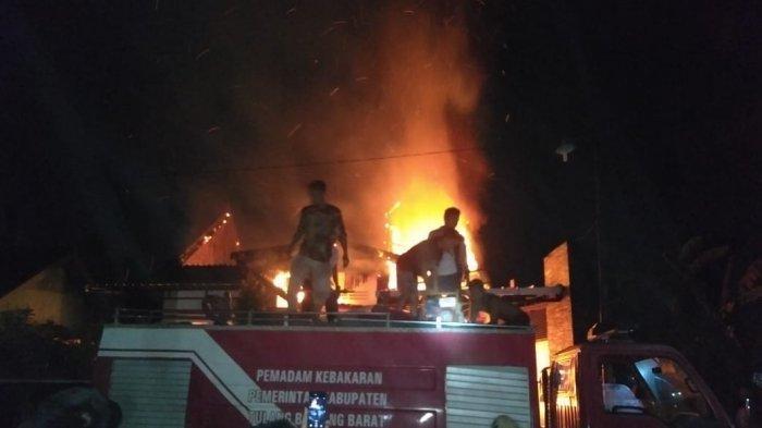 Kebakaran Rumah PNS Tubaba, Istri Korban Sempat Cium Bau Menyengat Kabel Hangus dari Kamar