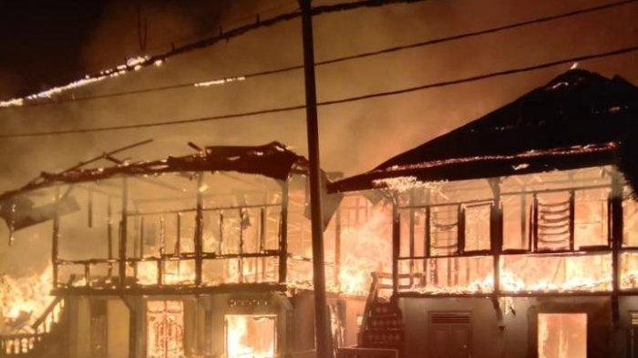 Kebakaran Hebat di Karya Penggawa Pesisir Barat, 10 Rumah Ludes