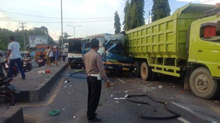 Kecelakaan Beruntun Libatkan 2 Dump Truk dan 2 Bus di Jalinsum Natar, Sopir Dump Truk Kabur