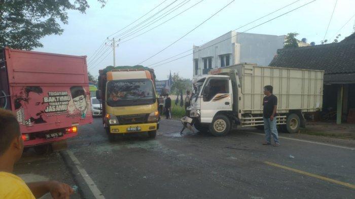 Kecelakaan 2 Truk di Jalinbar Pringsewu Terjadi di Jalan Menikung