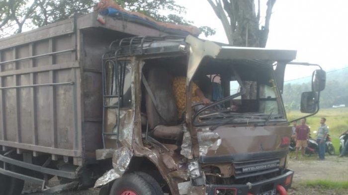 Kronologi Kecelakaan 2 Truk di Jalinbar Pringsewu, Dipicu Sopir Isuzu Hilang Kendali