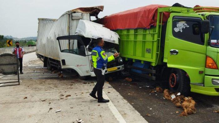BREAKING NEWS Kecelakaan di Tol Bakter Lampung Selatan, 2 Truk Bertabrakan