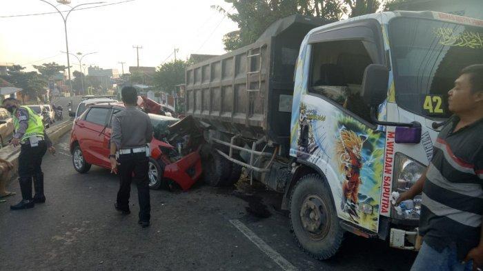 Polisi Taksir Kerugian Kecelakaan di Kemiling Capai Rp 50 juta
