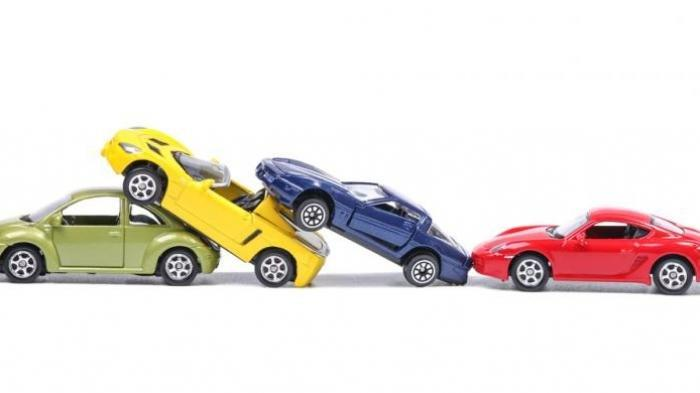 Kecelakaan, Motor Polisi hingga Mobil Dinas Kementerian Ditabrak Pengemudi Camry di Bandara Soetta
