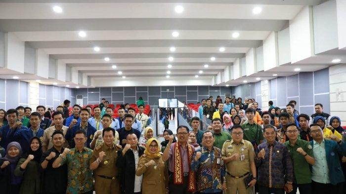 Bupati Pesibar Agus Istiqlal Paparkan Strategi Pariwisatadi Pertemuan BEM FEB se-Indonesia di Unila