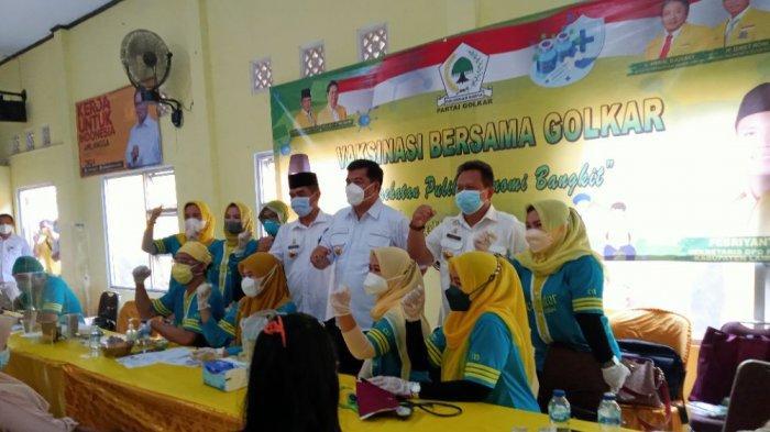 Vaksinasi Golkar Lamteng di Gunung Sugih, Musa Ahmad Ajak Parpol Lain Berpartisipasi