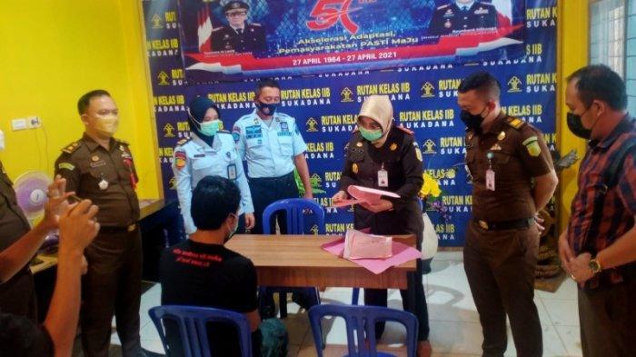 Kejari Hentikan Tuntutan Perkara Pencurian Getah Karet di Lampung Timur