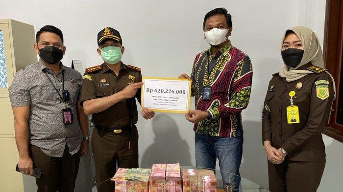 Kejari Pringsewu Lampung Setorkan Uang Pengganti Korupsi Senilai Rp 620 juta ke Kas Negara