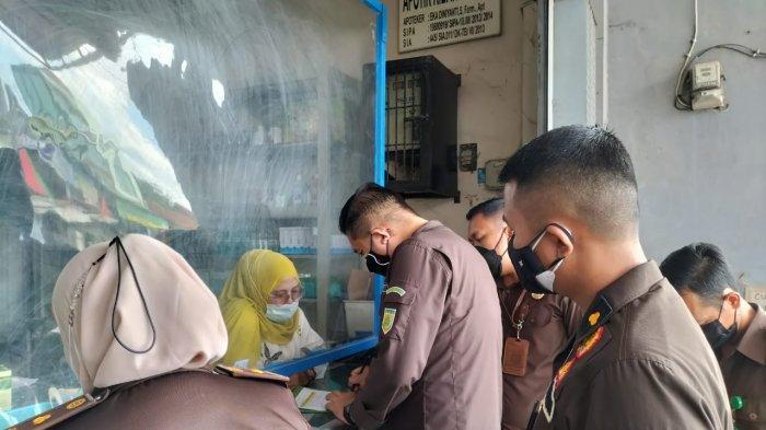 Kejari Sidak Obat Covid-19 di Tulangbawang Lampung, Sambangi Diskes hingga Apotek