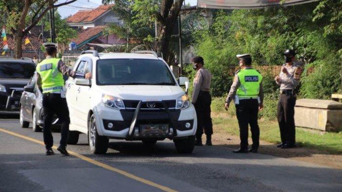 Kendaraan Dicurigai Bawa Pemudik Disetop Polres Pringsewu