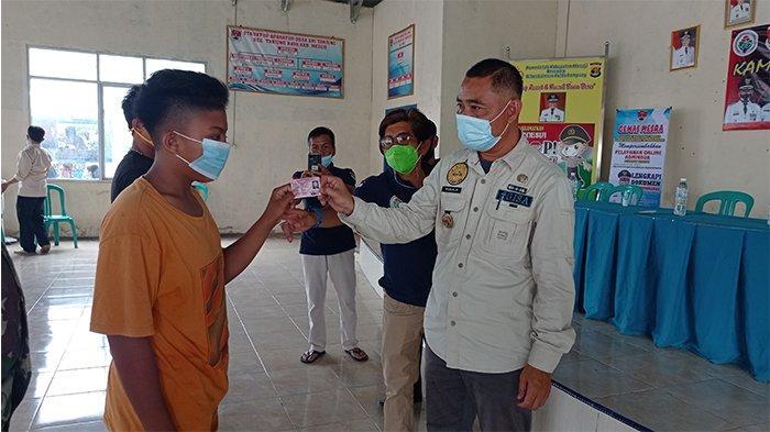 Disdukcapil Mesuji Layani Administrasi Kependudukan Hingga ke Pelosok Desa