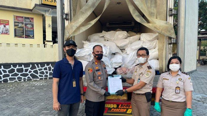 KSKP Bakauheni Lampung Gagalkan Penyelundupan 160 Karung Daging Celeng