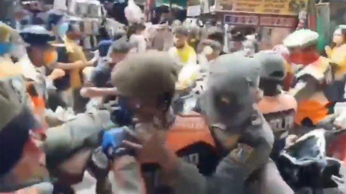 Video Ricuh PKL dan Satpol PP di Pasar Tanah Abang, Tentara dan Polisi Turun Tangan