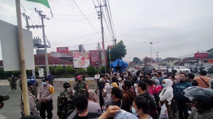 Beredar Informasi Hoaks, Gerai Vaksinasi ZA Pagaralam Bandar Lampung Digeruduk Warga
