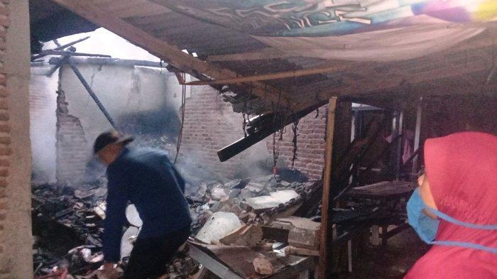 Tiga Kios di Pasar Balok Pringsewu Ludes Terbakar