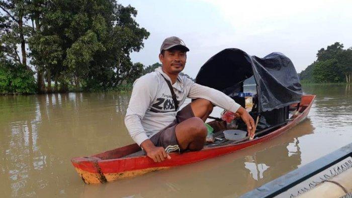 Kisah Sugiono Penjual Kopi Apung Dam Raman, Jajakan Kopi Sambil Mencari Ikan