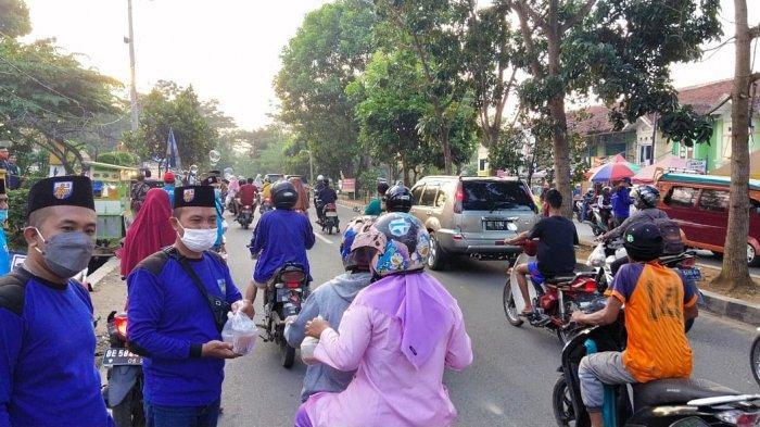 KNPI Bandar Lampung Berbagi Takjil dan Buka Puasa Bersama PK Kemiling