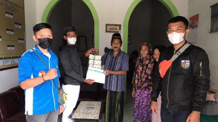 PK KNPI Langkapura Bagikan Nasi Kotak ke Panti Asuhan dan Ponpes