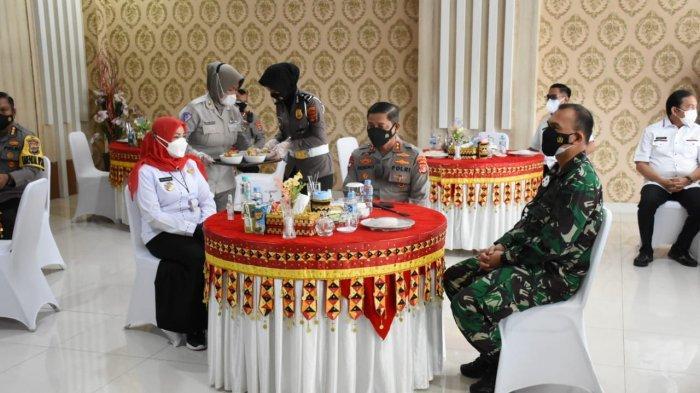 Kolonel Inf Romas Herlandes Hadiri Rakor PPKM Darurat Bandar Lampung di Polresta