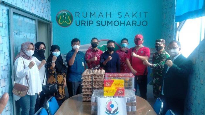 Peduli Nakes, Danramil 410-04/TKT Serahkan Bantuan kepada RS Urip Sumoharjo