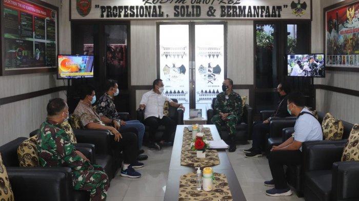 Dandim 0410/KBL Kolonel Inf Romas Herlandes Terima Kunjungan UPT PLN Tanjung Karang